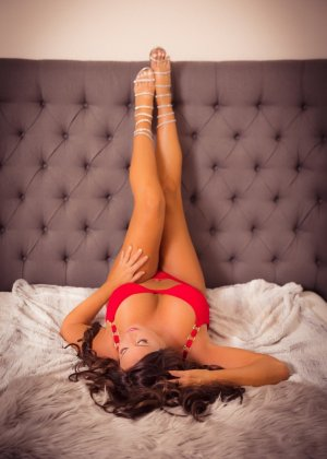 Najma naked escorts in Boerne